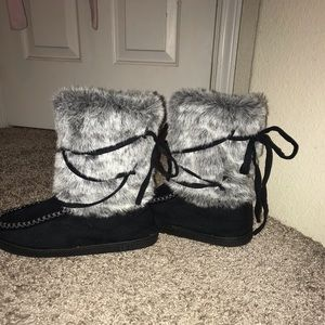 Fuzzy lace up boots